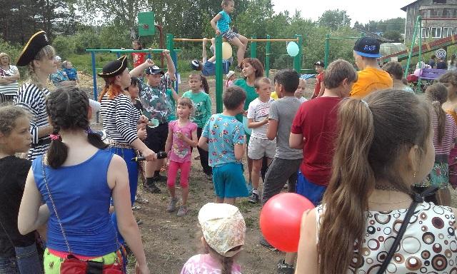 16 июня в микрорайоне 1/2 пос. Буланаш состоялось открытие детской игровой площадки «Планета друзей».
