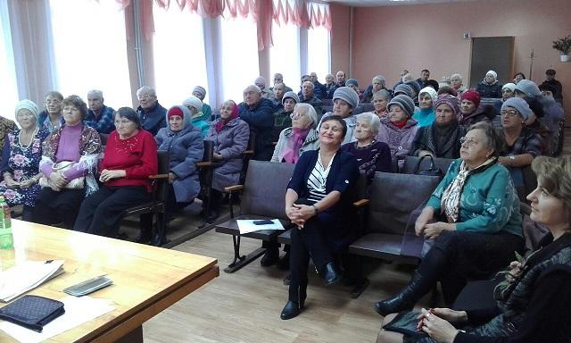 4 октября состоялась праздничная программа «Озорные, молодые и самые любимые» для ветеранов ликвидированных предприятий поселка Буланаш, посвященная Дню пожилого человека, а также концерт вокального ансамбля «Шахтерский огонек».