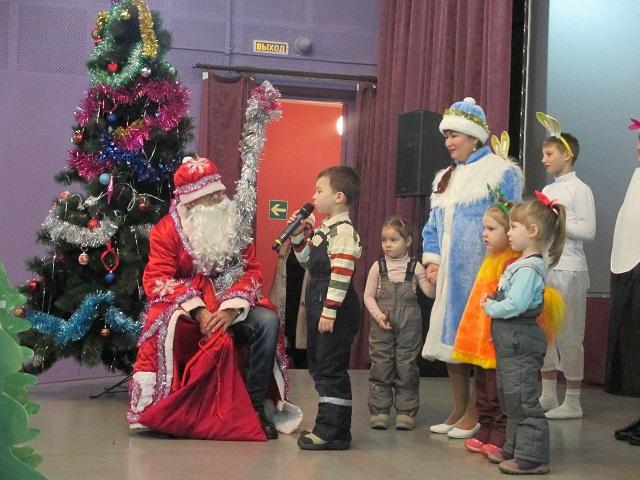 02 января 2018 года в ЦКиК «Родина» состоялась праздничная концертно – развлекательная программа на татарском языке «На Новый год к пингвину». Участники ансамбля «Тан-Йолдызы» подготовили мини – спектакль на новогоднюю тему.