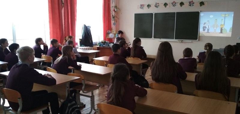 19 февраля на базе школы №9 на уроке 6Б класса состоялась кинопрограмма «Берегись бед пока их нет!», направленная на профилактику табакокурения.