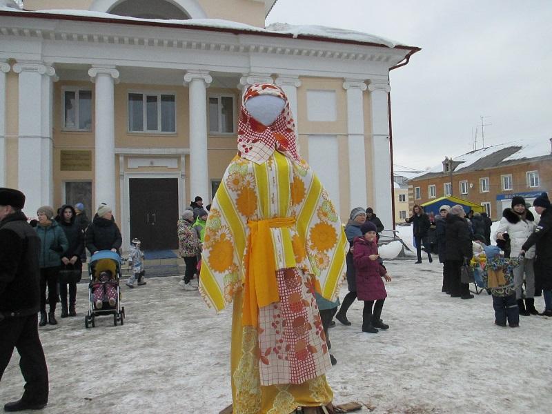 10 марта на площади Центра культуры и кино «Родина» состоялось праздничное гулянье «Буланашские потешки»