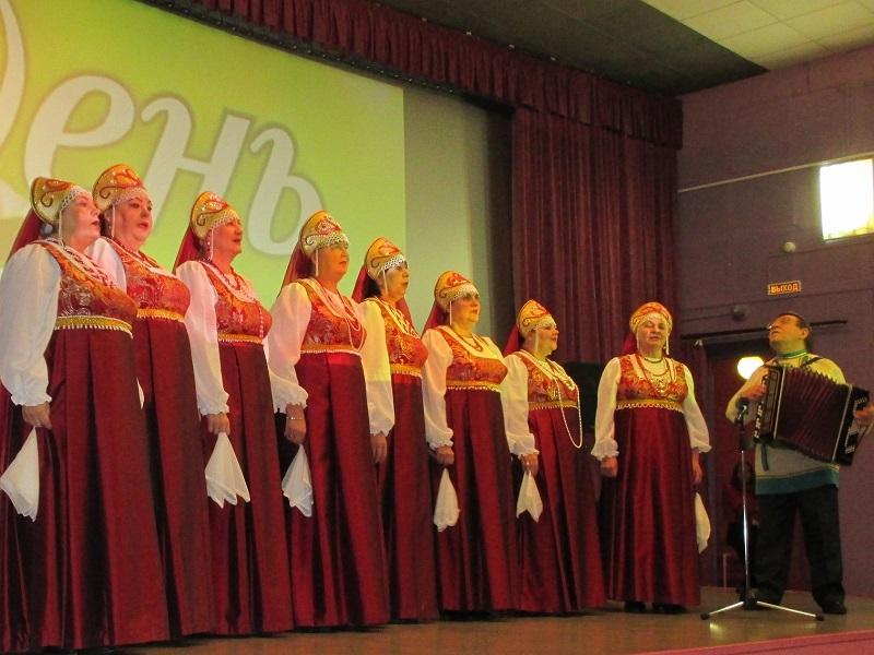 отчётный концерт народного коллектива ветеранов, вокального ансамбля «Шахтёрский огонёк»