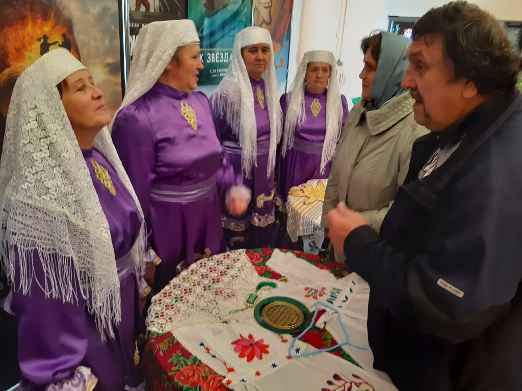организована выставка работ татарских и башкирских рукодельниц