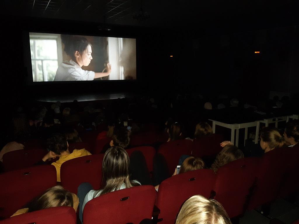 Драма о нравственных проблемах в современном обществе демонстрировалась на татарском и русском языках с русскими субтитрами.