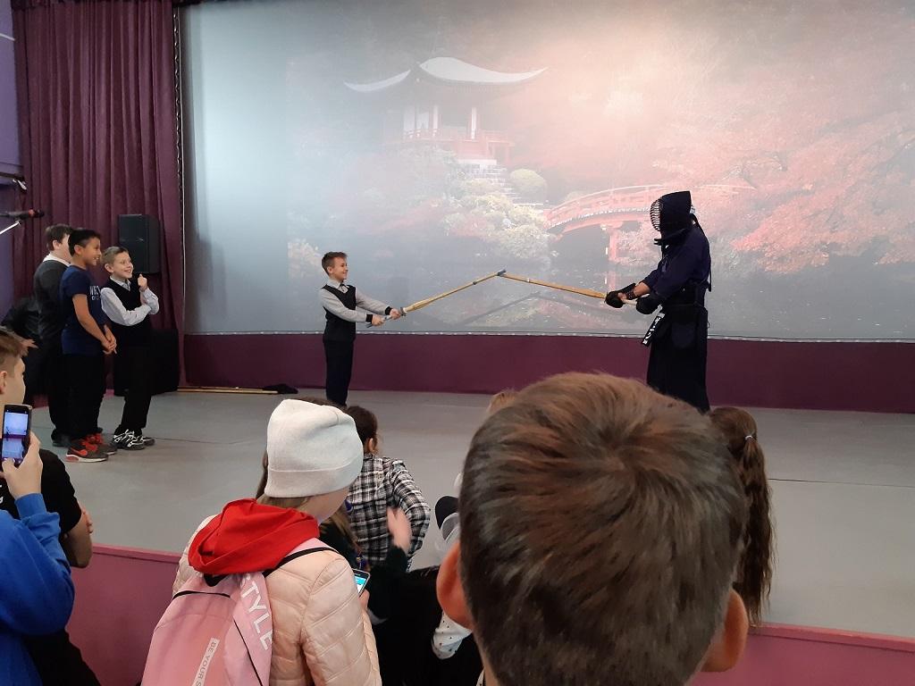 16 октября в Центре культуры и кино «Родина» прошел кинофестиваль «Японская осень на Урале». Мастер-класс по кендо