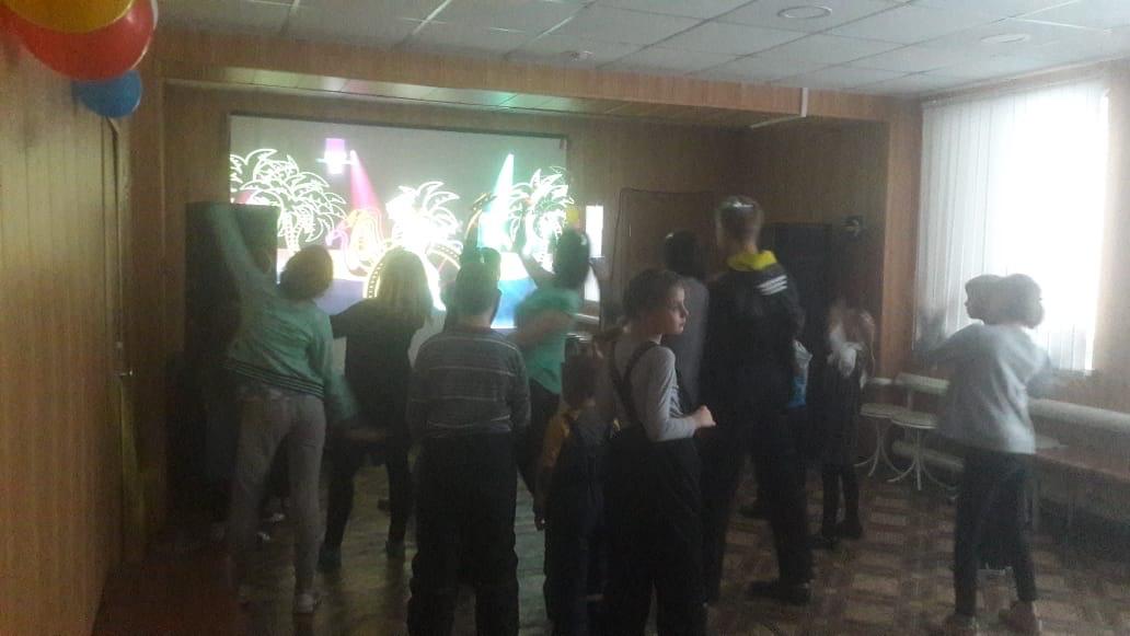игровая программа «Передай добро по кругу», посвященная всемирному дню доброты для воспитанников Центра социальной помощи семье и детям