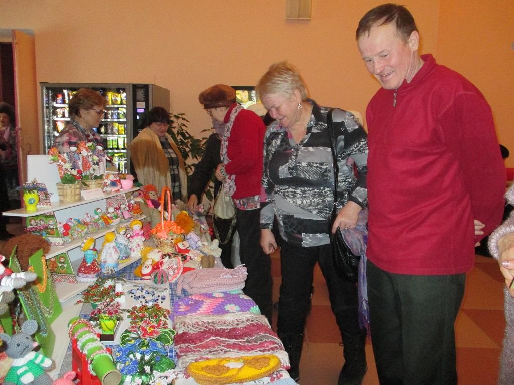 Выставка работ клуба рукодельниц Вдохновение