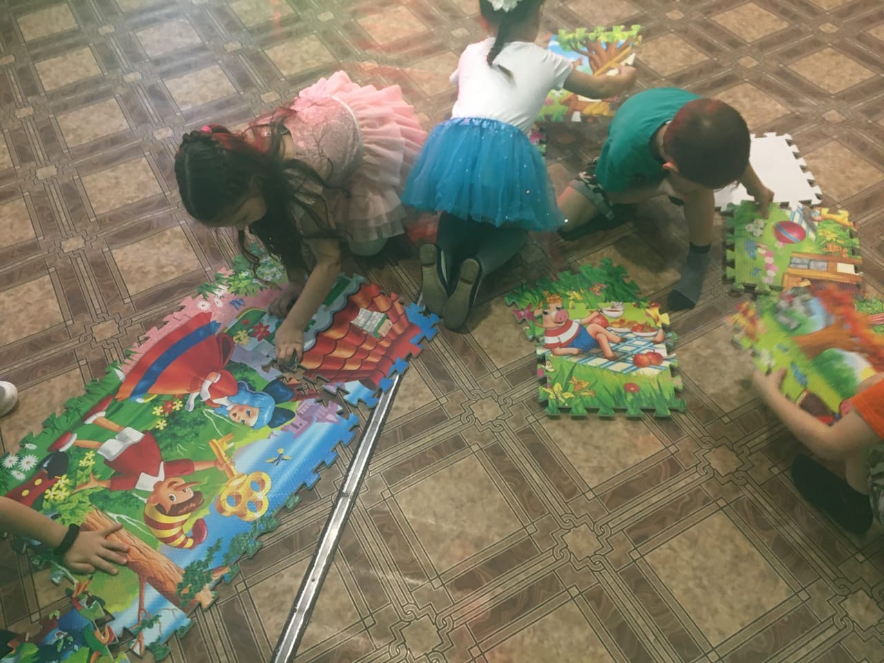 детская игровая программа «В гости к сказочному патрулю»