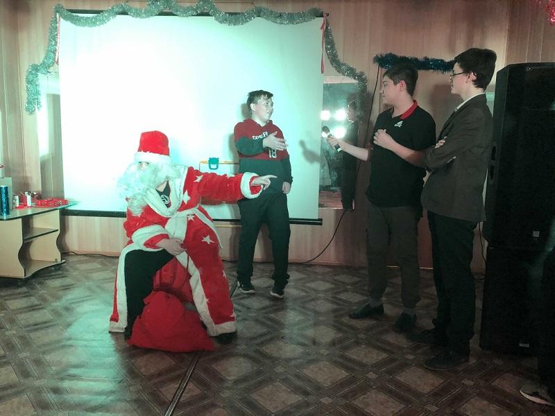 новогодняя развлекательная программа «Дедом Морозом буду я!»