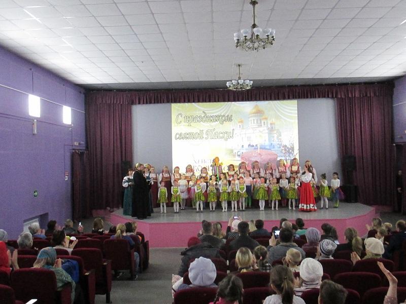 к гостям обратился настоятель Храма Святого Преподобного Серафима Саровского отец Игорь