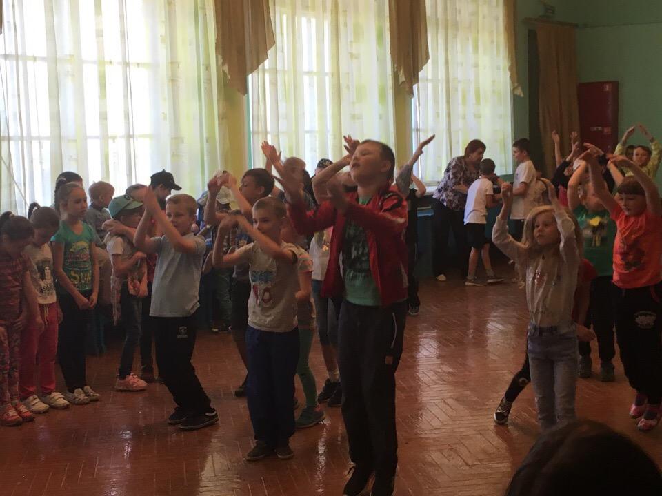 смотр-конкурс флешмобов «Двигайся в ритме лета!» в рамках проекта «Неделя детства»