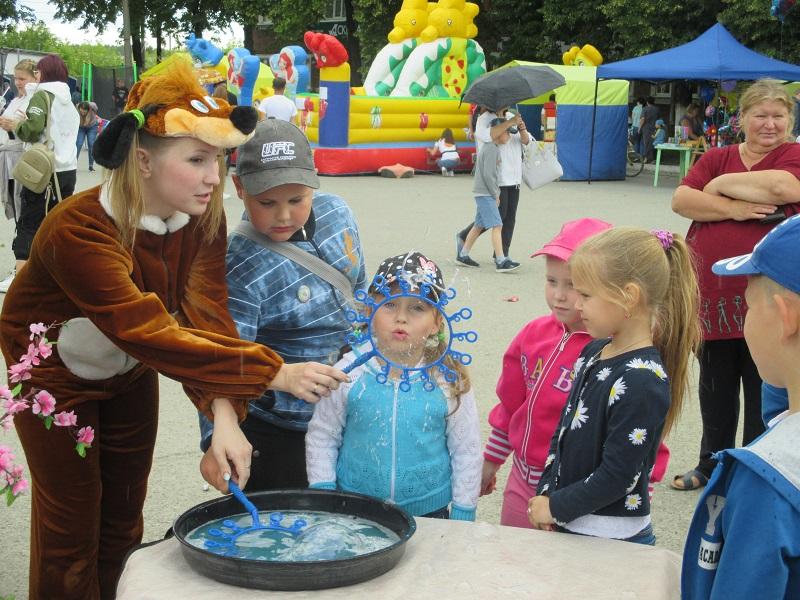 Центр культуры и кино «Родина» представил программу семейной направленности «Сказки водят хоровод».