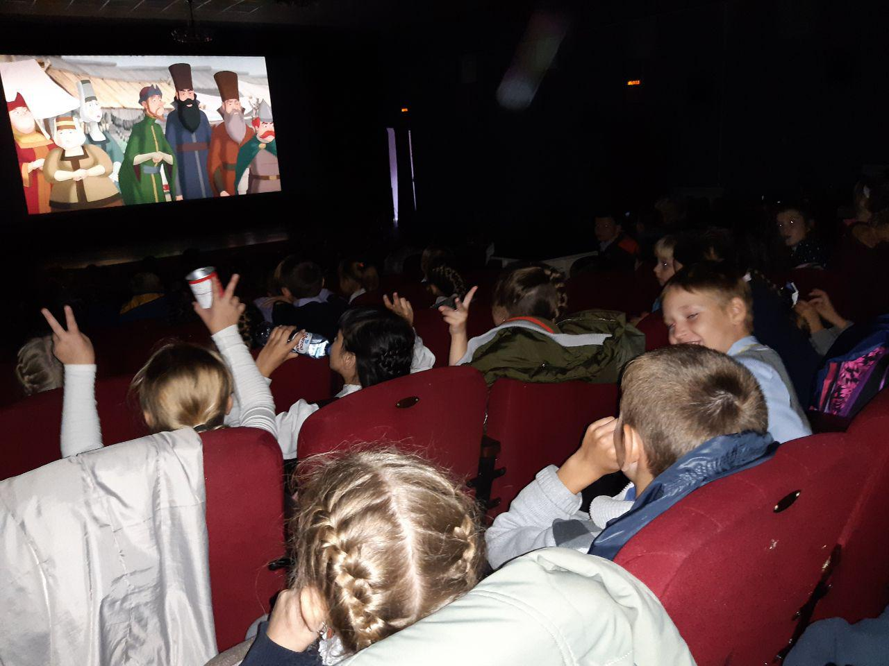 25 сентября в Центре культуры и кино «Родина» в рамках Областного фестиваля «ЭтноКино» состоялся бесплатный показ российского мультфильма 2017 года «Сказ о Петре и Февронии».